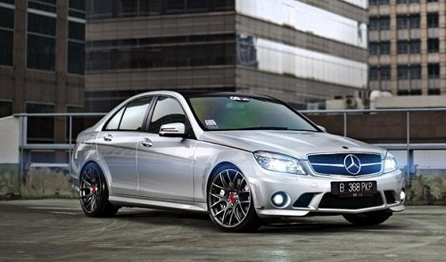 Modifikasi Mobil Mercedes Benz C Class W204 Simply Sporty