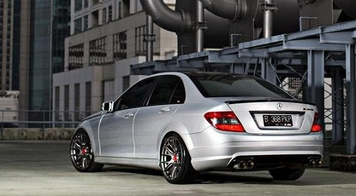 Modifikasi Mobil Mercedes Benz C Class W204 Simply Sporty 2