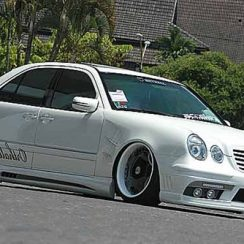 Modifikasi Mobil Mercedes Benz E-Class W210 Ceper Poll